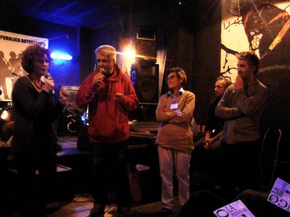 """Simonetta Lorigliola, Eris Spagnol, Paola Leonardi (Terra d'Arcoiris) e Daniele Garella durante l'incontro """"Il vignaiolo planetario"""""""